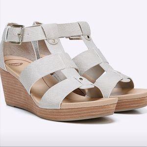 Dr. Scholl's Barton Medium/Wide Wedge Sandal